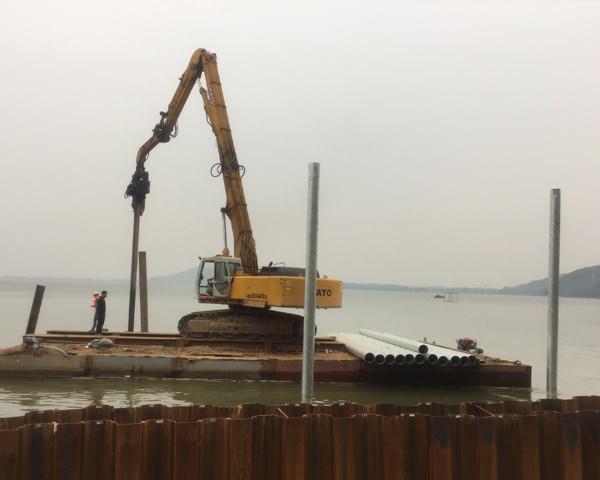 武汉东湖军运会场馆水上钢管桩施工