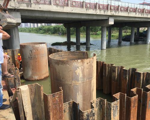 襄阳清河一桥扩宽改造工程拉森钢板桩围堰
