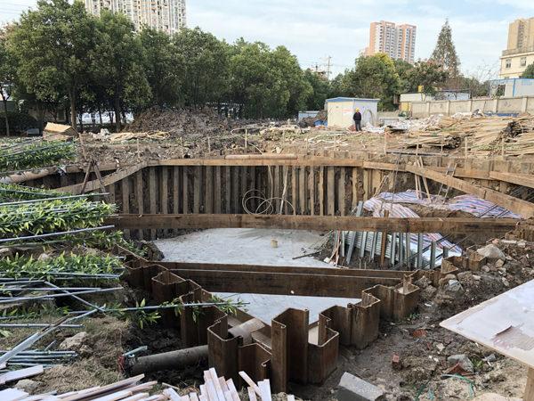 武汉武湖御江澜庭污水处理池钢板桩支护